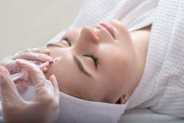Bótox para el rejuvenecimiento facial